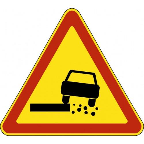 Временный предупреждающий Дорожный знак 1.19 - Опасная обочина