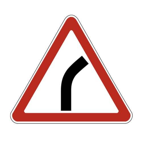 Дорожный знак 1.11.1 - Опасный поворот - направо