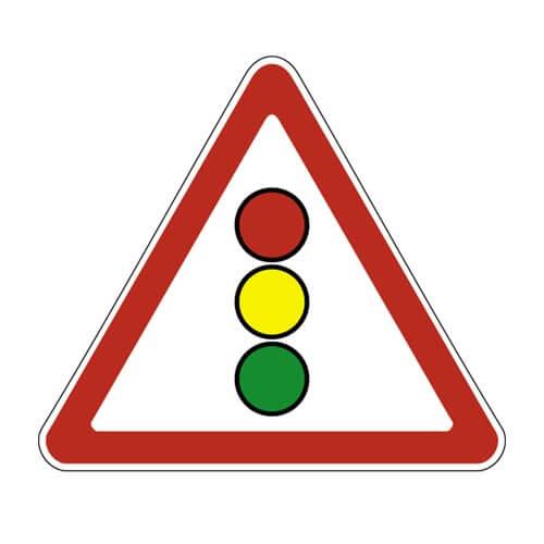 Дорожный знак 1.8 - Светофорное регулирование